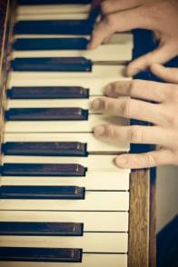 piano hands 2